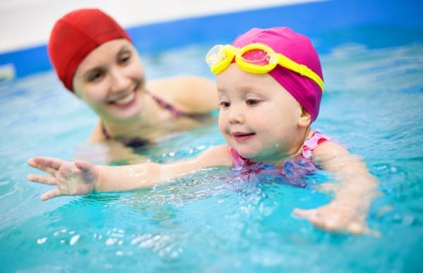 Lợi ích của bơi lội với trẻ nhỏ