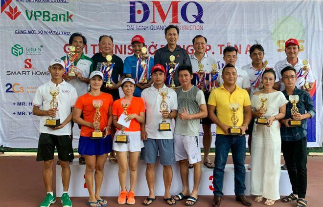 Những vận động viên đoạt giải của cả hai nội dung